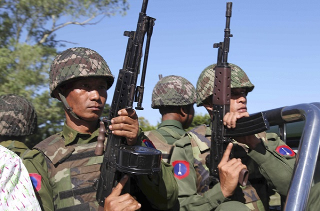 Namhsan villagers flee as clashes continue between TNLA and Burmese army