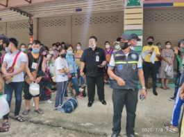 Hundreds Of Migrant Workers at Tachileik Come back from Thailand 8 July