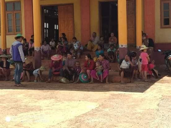 Villagers refuge to Kawng Nyaung monastery