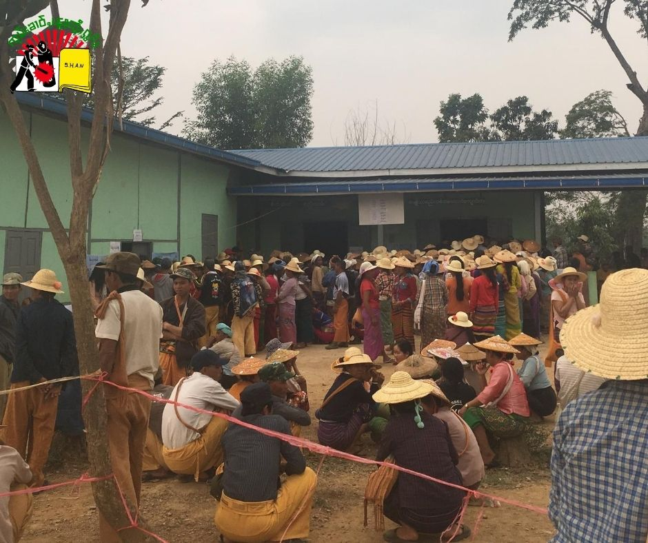 Photo by Nang Kham Awn Mong Hsu people waiting to voting during 2017 by election 1