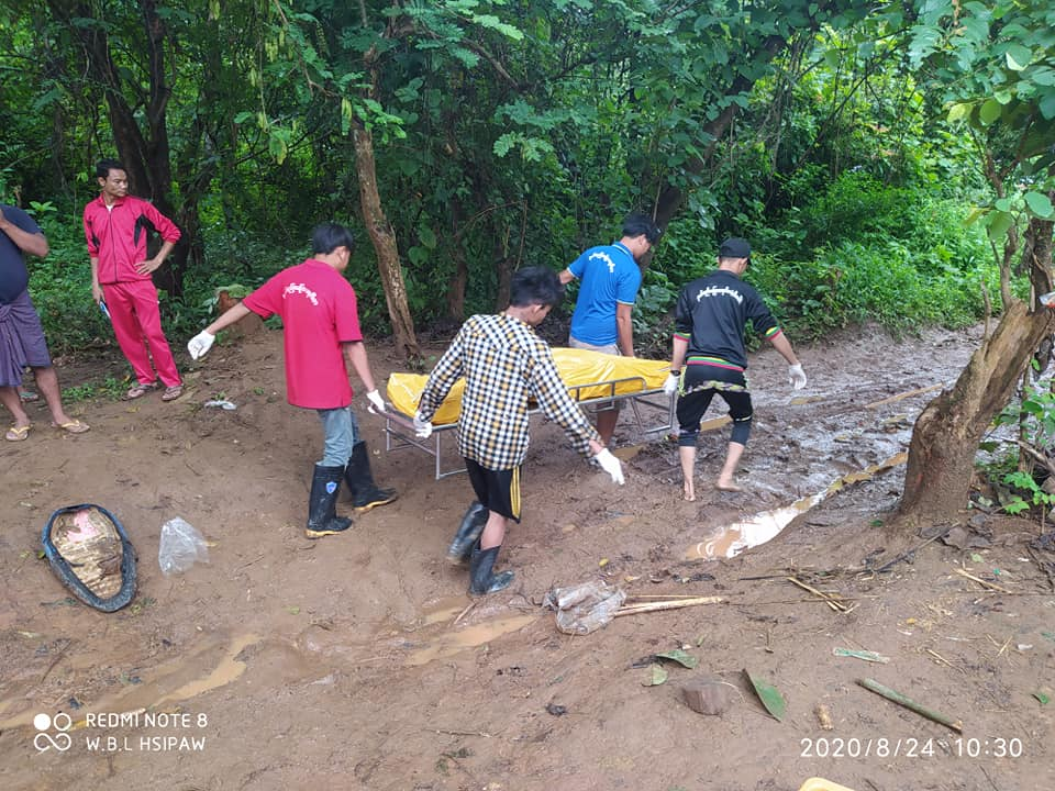 Photo by Shat Htat Paing Volunteers Without Borders Carrying the Dead Body of men at Hsaipaw 24 August 2020