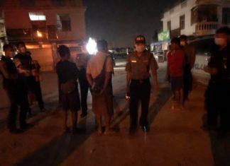 Checking the people who broken curfew at Tachileik