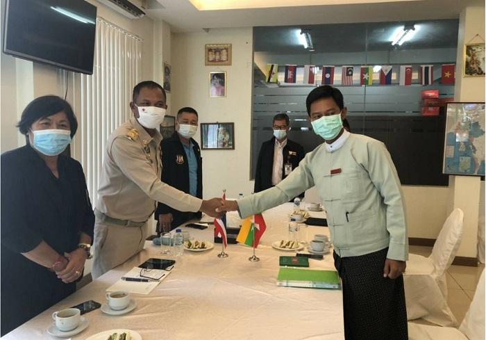 Photo Credit tp mgronline Thai Myanmar meeting at TCL Maesai 28 September
