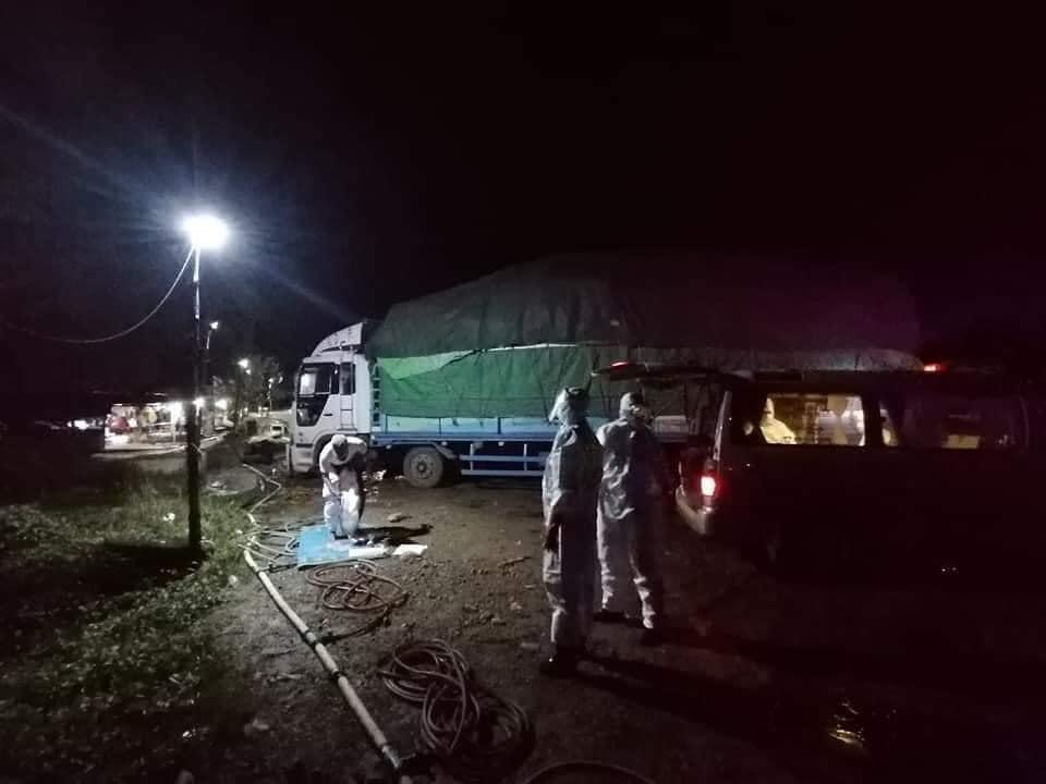 Photo Credit to Thaung Tun, from Garuna Social Volunteer Team : Nawngkio  Covid-19 testing checkpoint