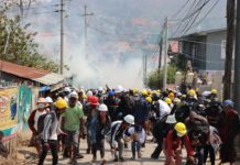 Security Forces Attack Taunggyi Protesters With Rubber Bullets Tear Gas 2